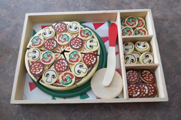 Melissa & Doug Pizza Party Wooden Play Food (Pretend Play Pizza Set,