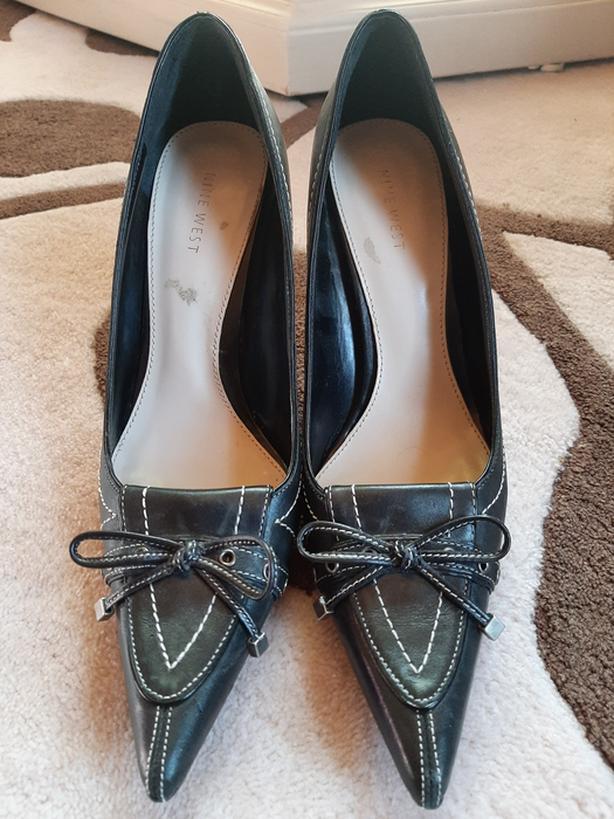 Black West Womens heels - black