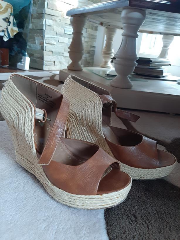 Matisse Women beach block heels - brown and beige