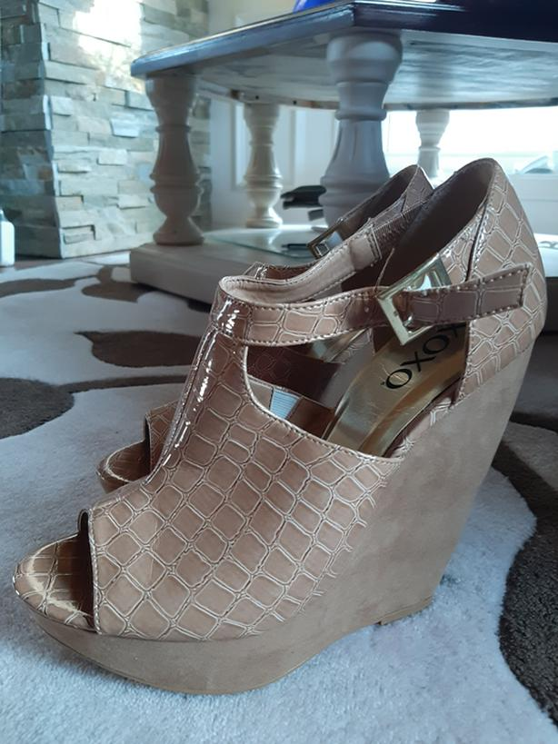 XOXO women wedged heel - tan
