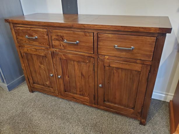 NEW - Timber Pine Buffet