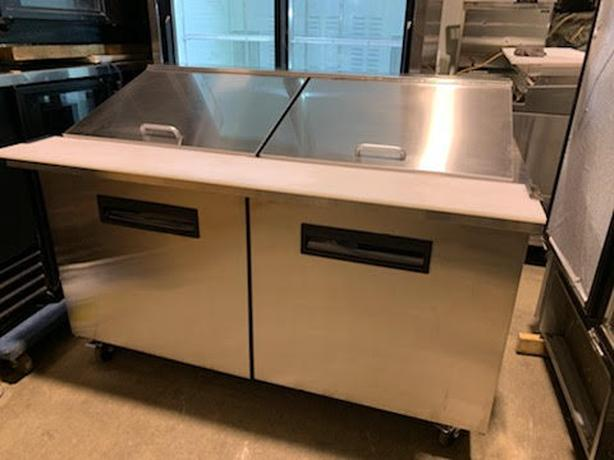 SUPER MEGA TOP LINE FRIDGE/SANDWICH PREP TABLE