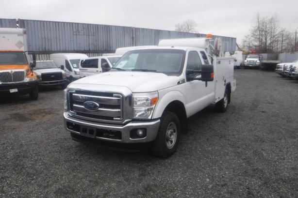 2013 Ford F-350 SD SuperCab Service Truck 4WD