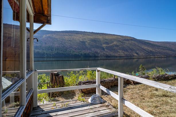 Rustic Cabin with Panoramic Lake Views