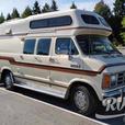 Classic Royale (Rent  RVs, Motorhomes, Trailers & Camper vans)