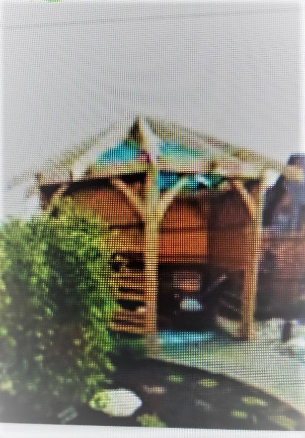 GREAT CUSTOM-MADE GAZEBO!