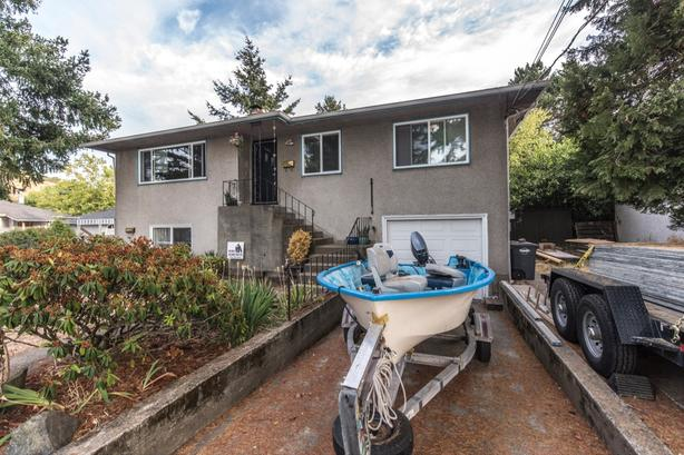 Home or Sale - 1665 Pear St