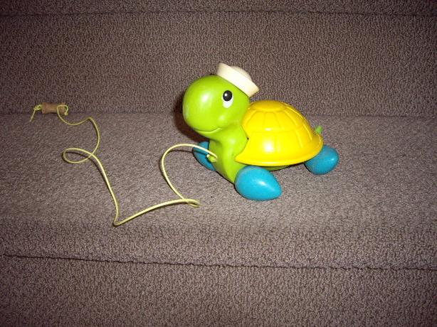 FISHER PRICE VINTAGE 70'S TURTLE PULL TOY