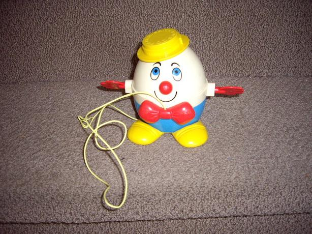 FISHER PRICE 1972-79 HUMPTY DUMPTY PULL TOY