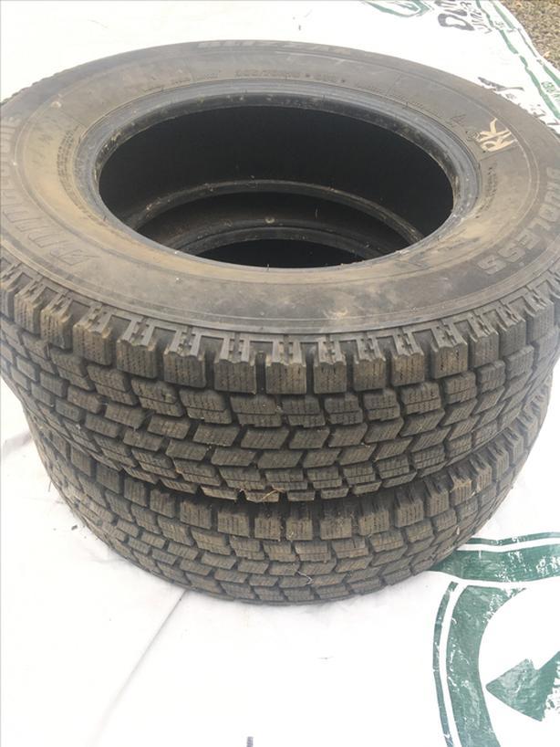 Bridgestone BLIZZAK ws-50  205-70R15 96Q  x2