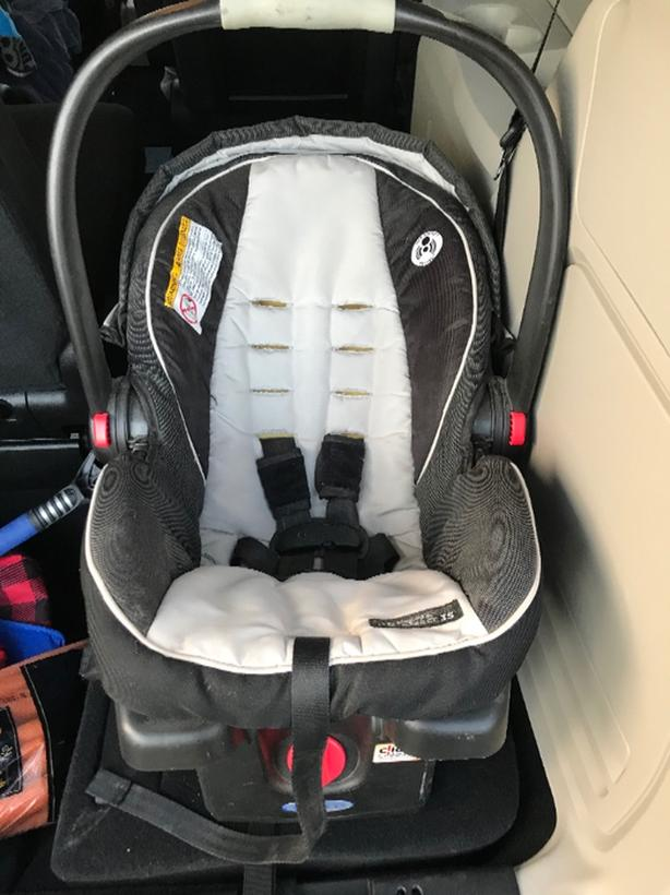 FREE: graco click and connect bucket seat