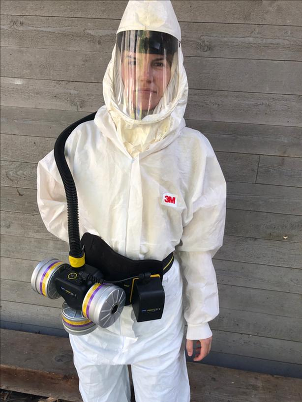 Spraying respirator suit