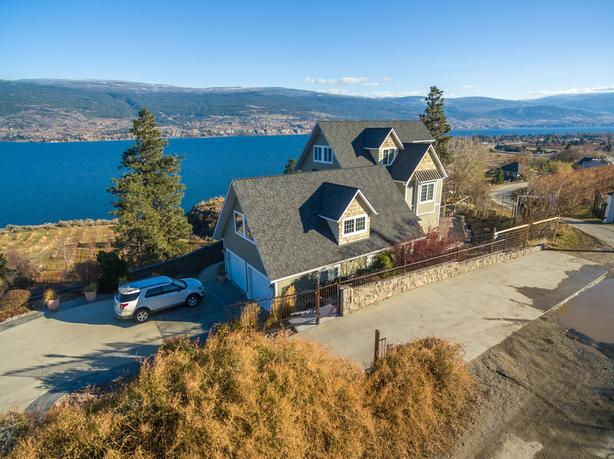 Stunning Panoramic Lake View Home in Breathtaking Summerland