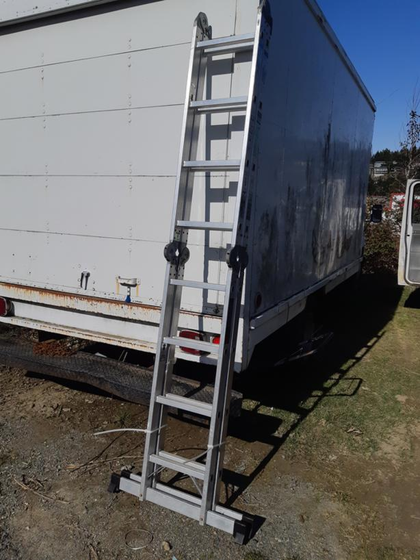 17' Aluminum Articulating Ladder CSA Grade 1