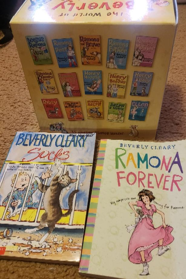 17 Beverly Cleary books (Box set plus 2 additional)