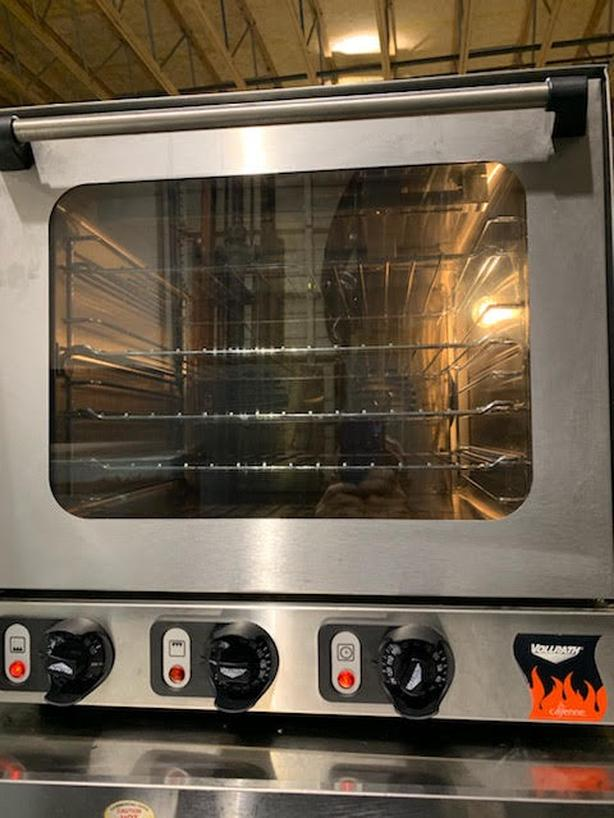 COUNTER TOP ELECTRIC CONVECTION OVEN.