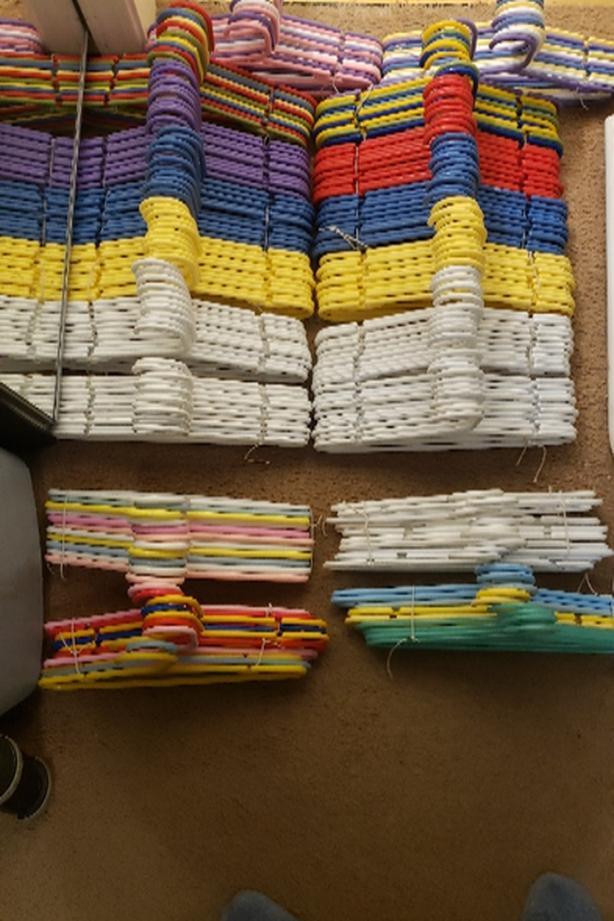kids size clothing hanger sets of 10