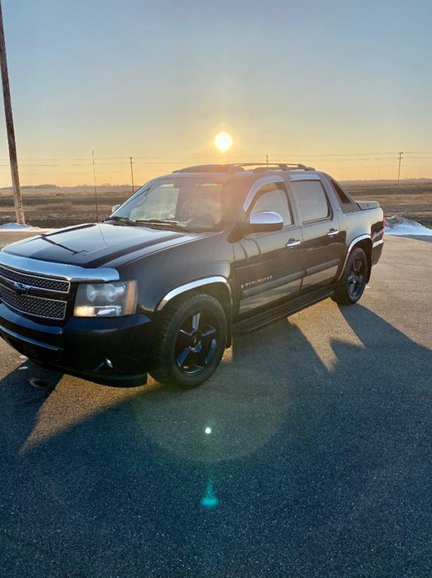 FOR TRADE: 2007 avalanche ltz 4x4