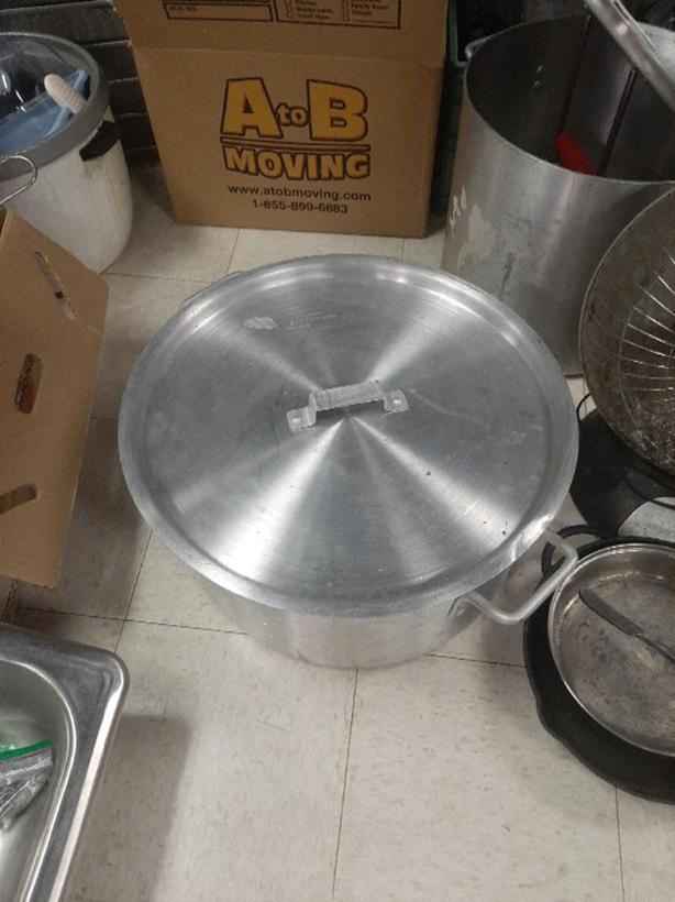 40 qt aluminium pot & lid x2