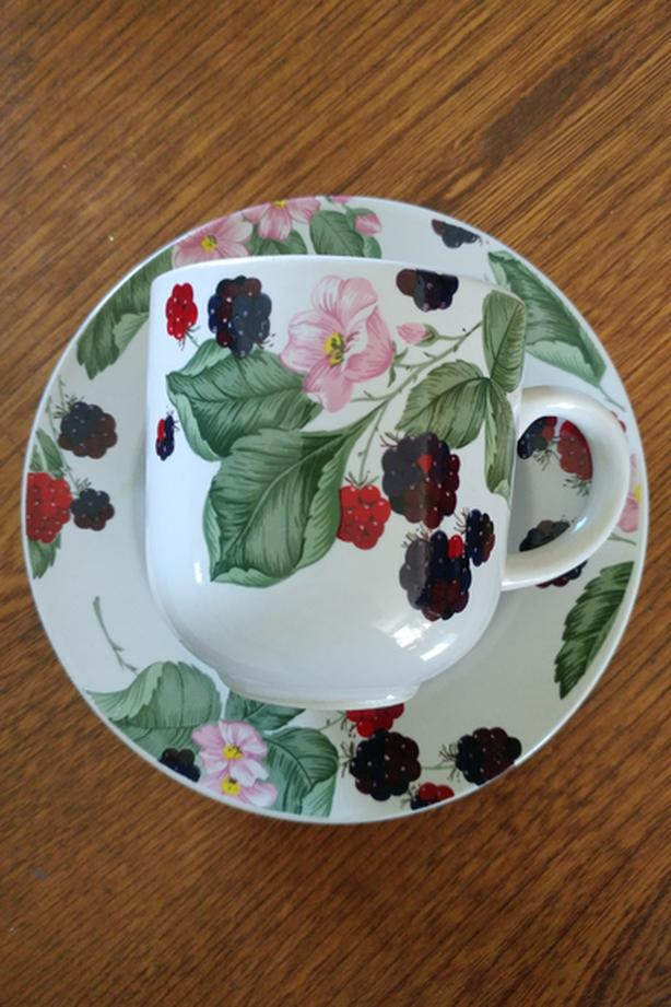 8 Cup and saucers