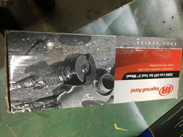 Pneumatic cut off tool
