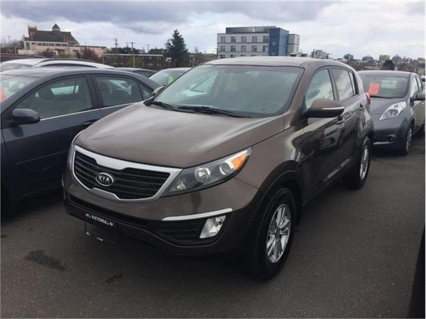 2011 Kia Sportage LX | Manual, No Accidents!
