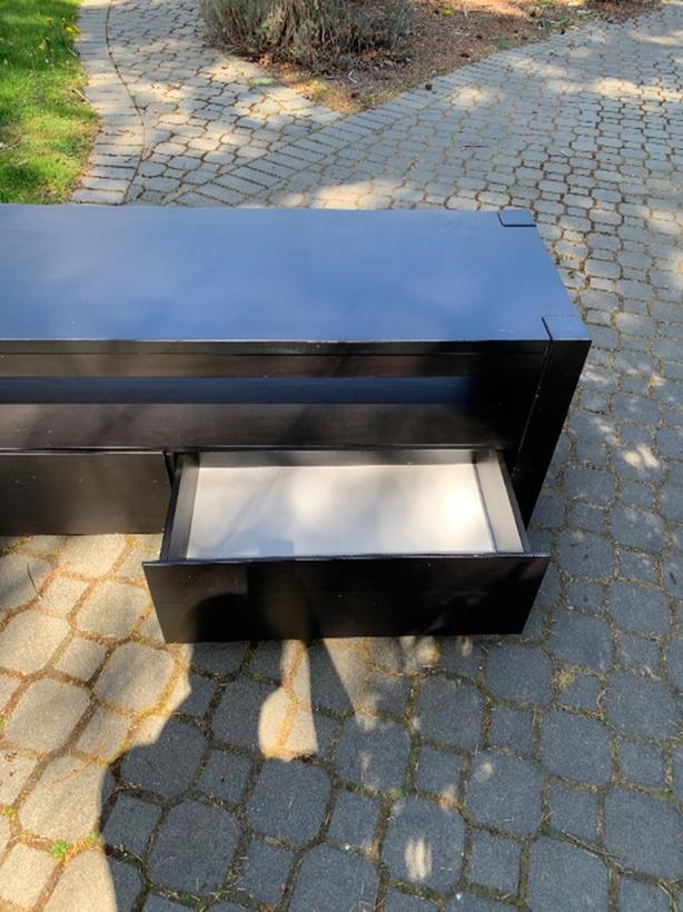 FREE: Ikea Tv table