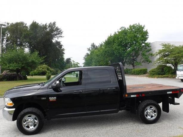 2012 Dodge Ram 2500 ST Crew Cab 4WD 7 Foot Flat Deck
