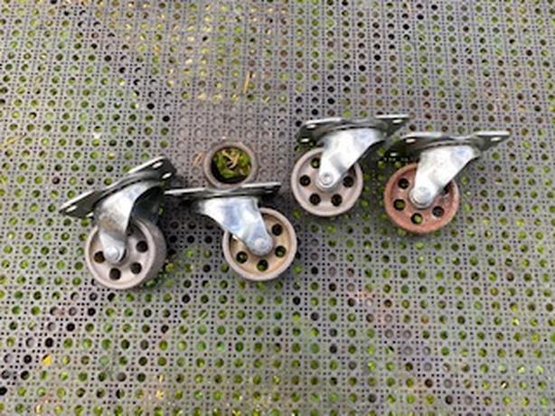 4 Metal Castors