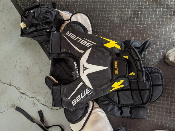 Mens large goalie chest protector