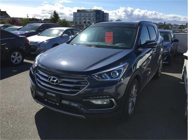 2017 Hyundai Santa Fe SE 2.0 TURBO! LEATHER! PANORAMIC SUNROOF!