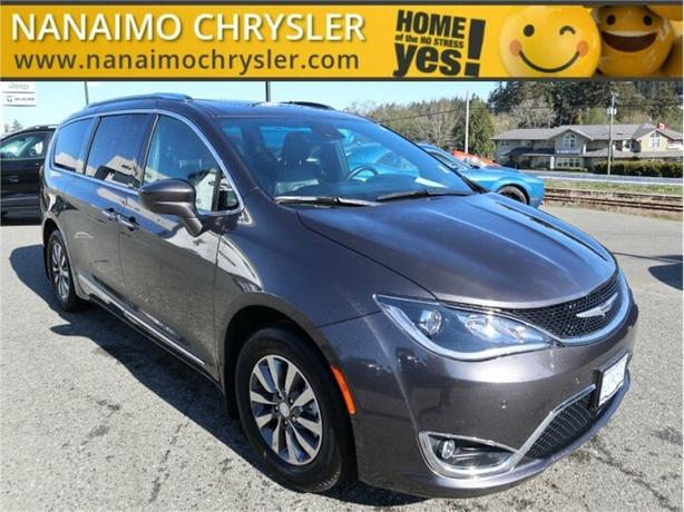 2020 Chrysler Pacifica Touring-L Plus 35th Anniversary Edition