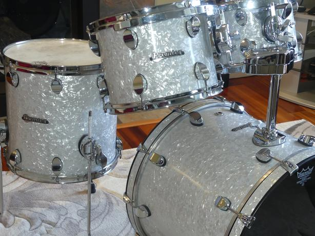 FOUR PIECE PREMIER SERIES BIRCH DRUMS FROM 2005 WITH HARD CASES