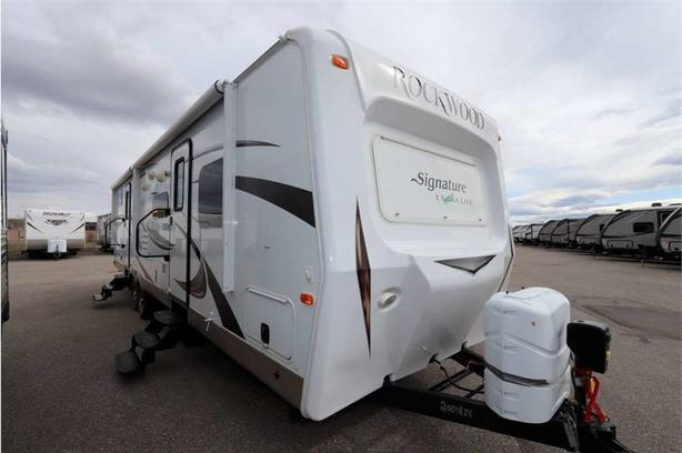 2015 Forest River ROCKWOOD SIGNATURE 8312SS