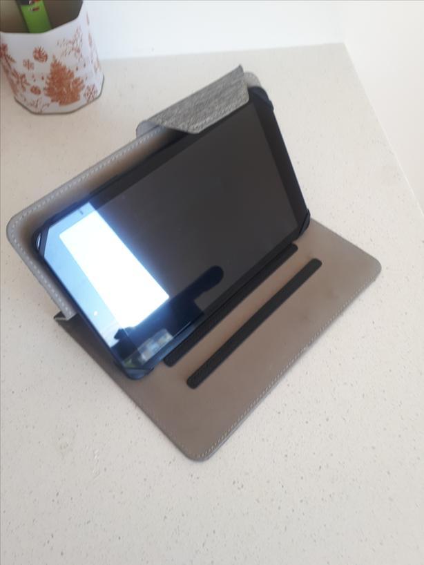 Tablet Galaxy Tab A 8.0 (SM-T387W)  $175 o.b.o