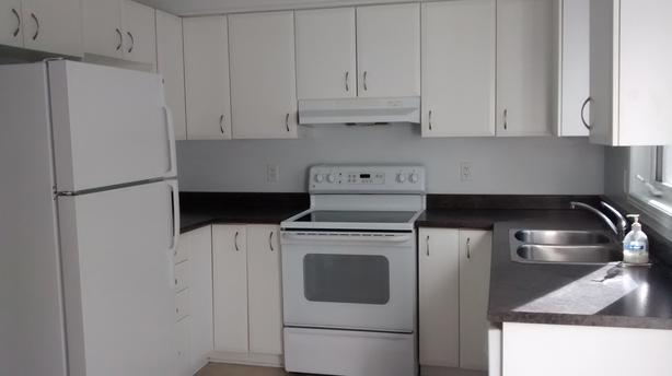Great Location Townhouse for Rent in Central Park!