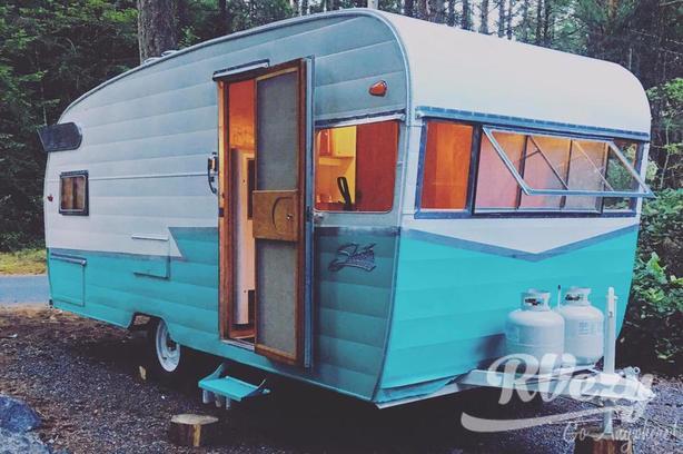 Deluxe  (Rent  RVs, Motorhomes, Trailers & Camper vans)