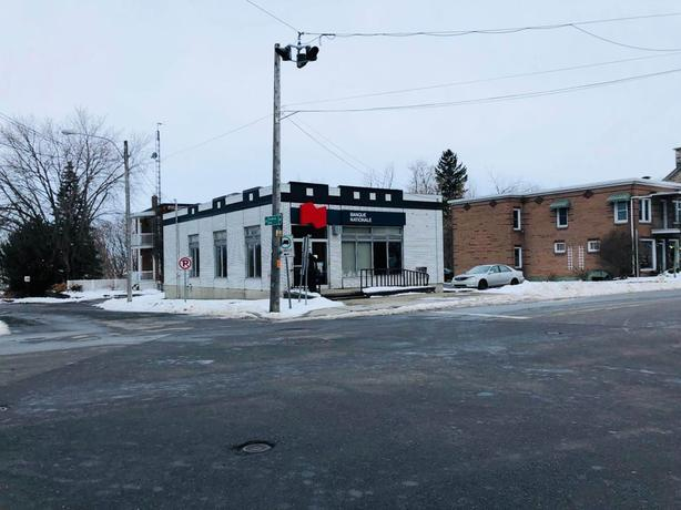 Commercial building $90,000 under municipal evaluation!