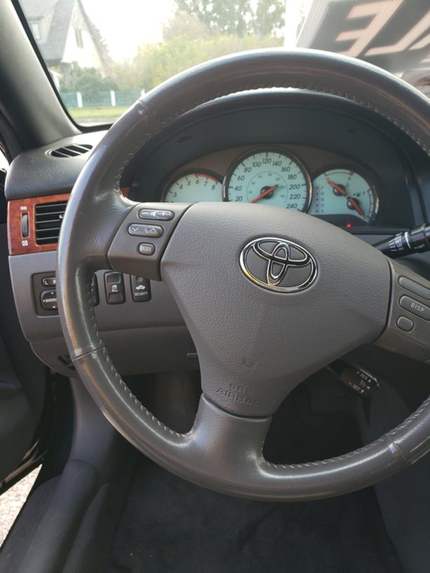 2006 Toyota Solaris convertible SLE
