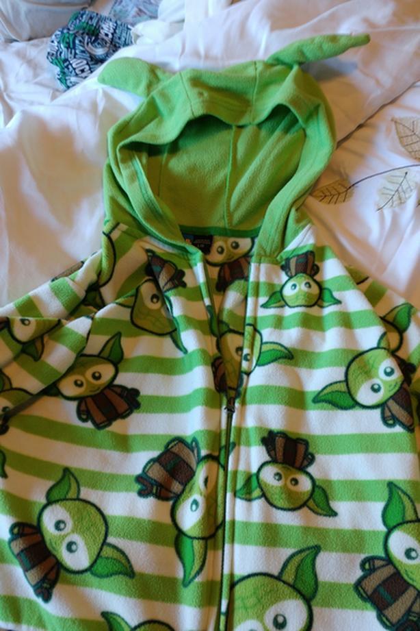 Star wars yoda onesie pyjamas
