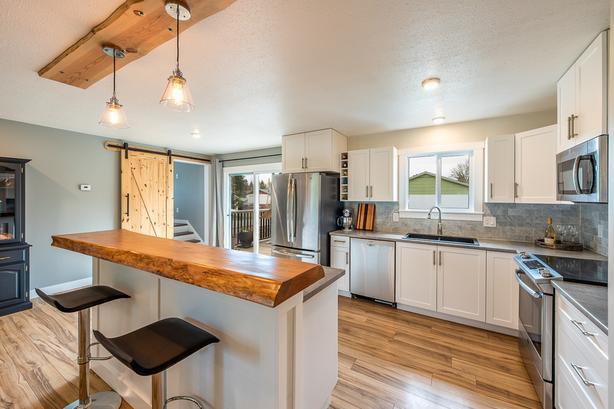 NEW PRICE! Updated 4 bedroom Comox Home!