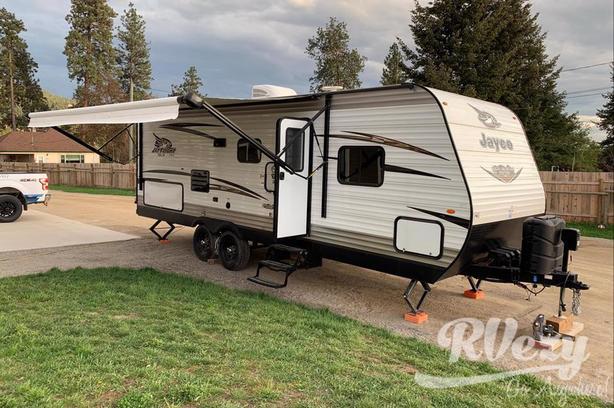 2018 (Rent  RVs, Motorhomes, Trailers & Camper vans)