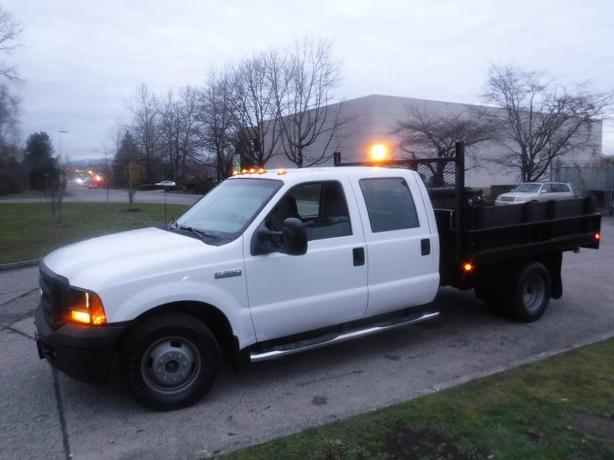 2006 Ford F-350 SD Dump Truck 10 Foot Crew Cab 2WD Dually