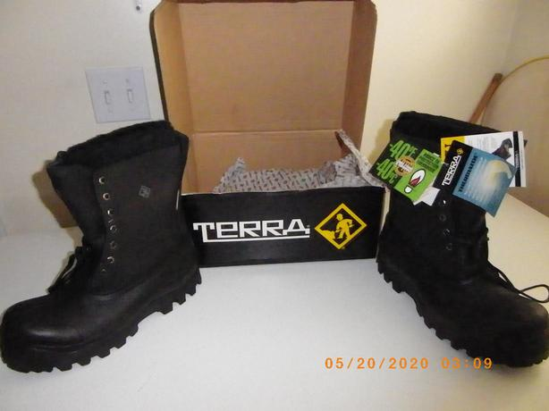 NEW CSA SAFETY WINTER BOOTS SIZE 7