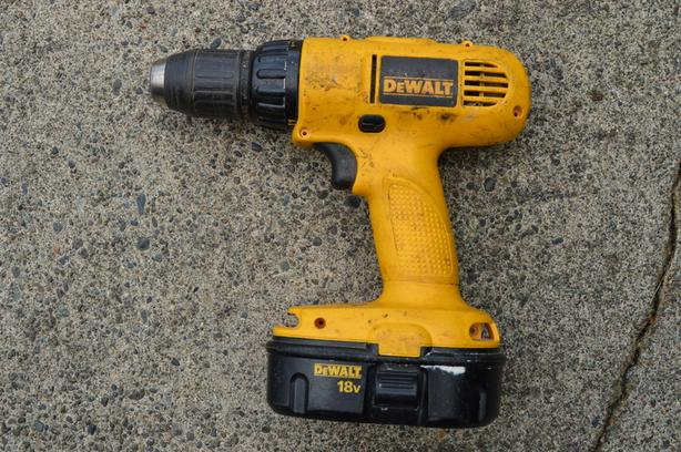 LOWERED PRICE - DeWalt 18v cordless drill – DW959 (no charger) - $75 OBO
