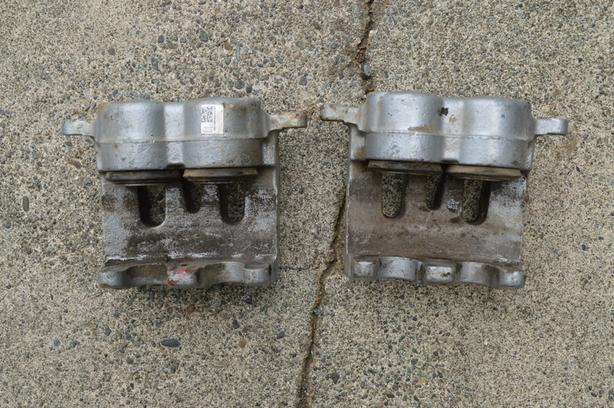 LOWERED PRICE Ford Brake calipers (18P4920) - $25 OBO