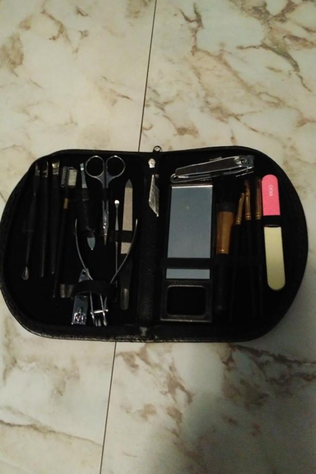 Makeup/Manicure set