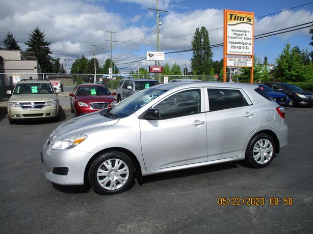 2009 TOYOTA MATRIX WITH 154,000 KMS AND A/C