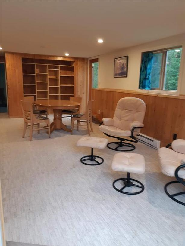 2 bedroom and den, furnished on malahat