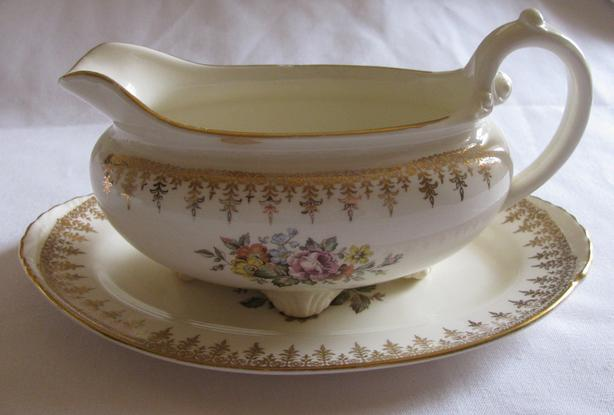 Georgian China Footed Gravy Boat & Underplate Set Charmaine Pattern Antique